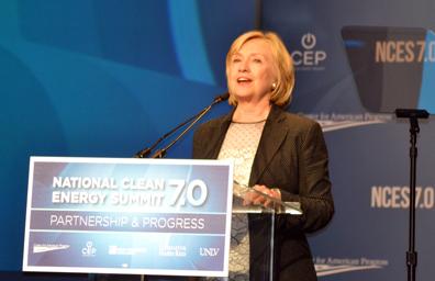 Hillary R. Clinton: América debe ser la superpotencia de la energía limpia del siglo