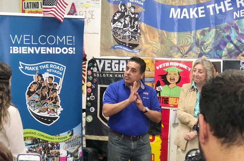 """Oficiales de North Las Vegas llevarán a 40 niños de """"compras con un policía"""""""