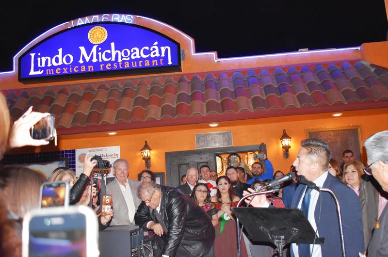 Lindo Michoacán... celebró tres décadas de buen sazón