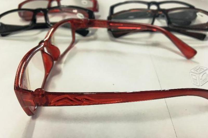 Entregan lentes graduados a escolares con problemas visuales en NL