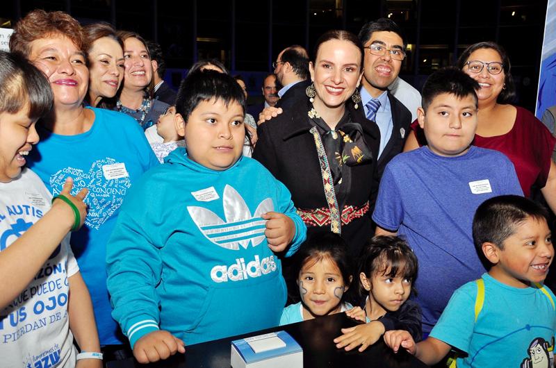 Destacan que personas con autismo pueden estudiar y formar una familia