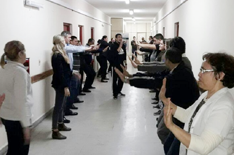 Trabajadores participan en programa que promueve la actividad física