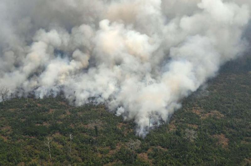 Monitorean calidad del aire en Perú tras incendios en Amazonia brasileña