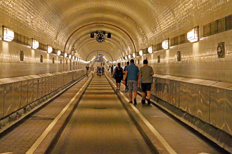 Presentan túnel de transporte subterráneo