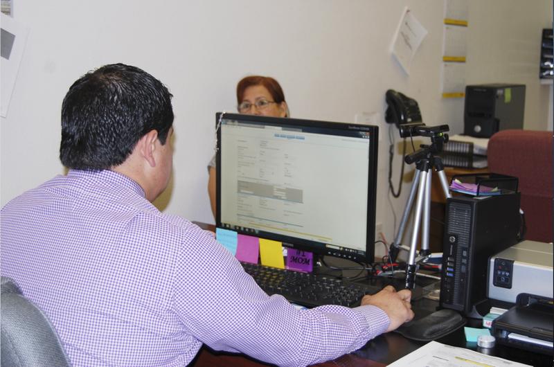 Más de 500 salvadoreños ya renovaron su TPS en el Consulado de El Salvador