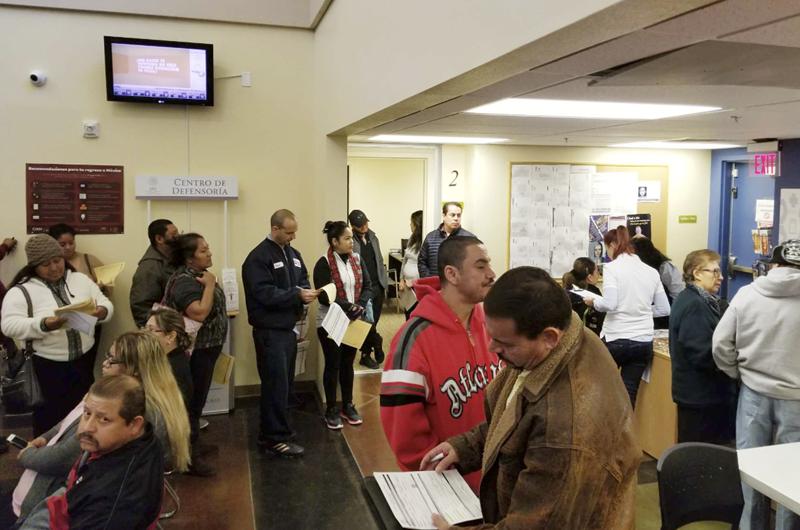 En jornada de salud del Consulado de México atendieron a más de 150 personas sin seguro médico