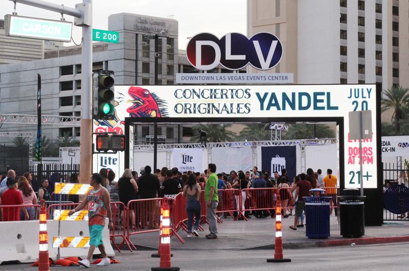 Durante concierto en Las Vegas habló Yandel de sus proyectos