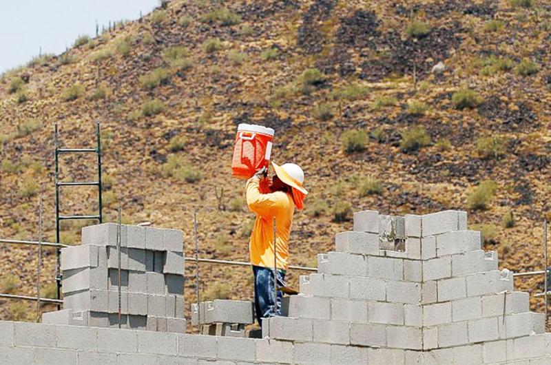 El calor no detiene a los trabajadores de Nevada