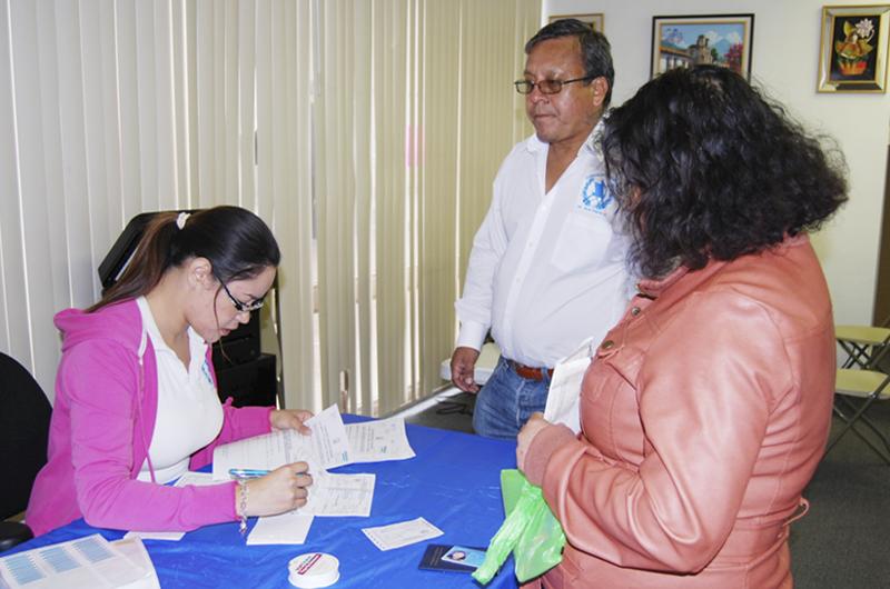 Cónsul de Guatemala invita a sus connacionales a estar informados