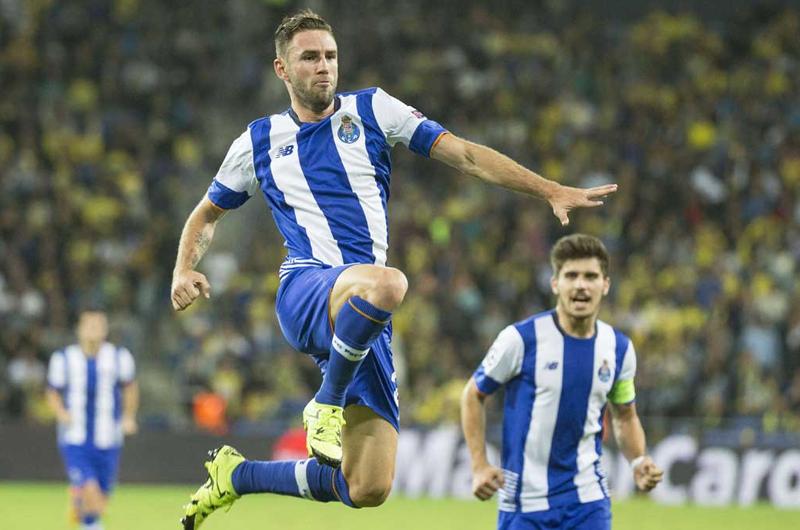 Miguel Layún deja Porto y es nuevo jugador de Sevilla FC