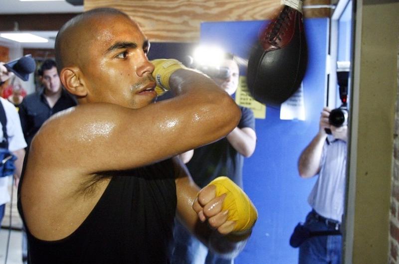 Boxeador Carlos Molina perdió ante dominicano Carlos Adames