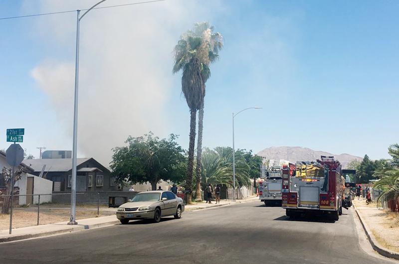 Los bomberos se mantienen ocupados en el valle