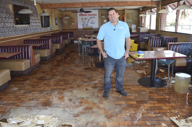 Causó la lluvia daños estructurales a restaurante local