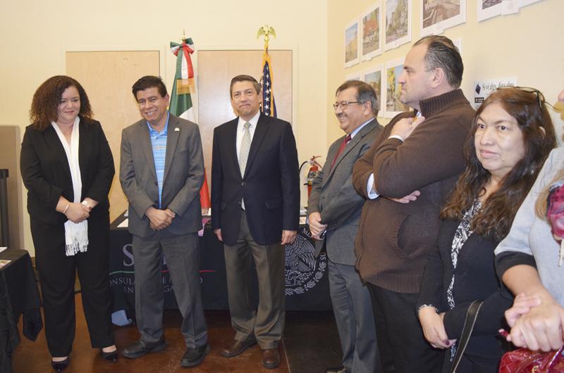 Abrieron Ventanilla Educativa en el Consulado de México en LV