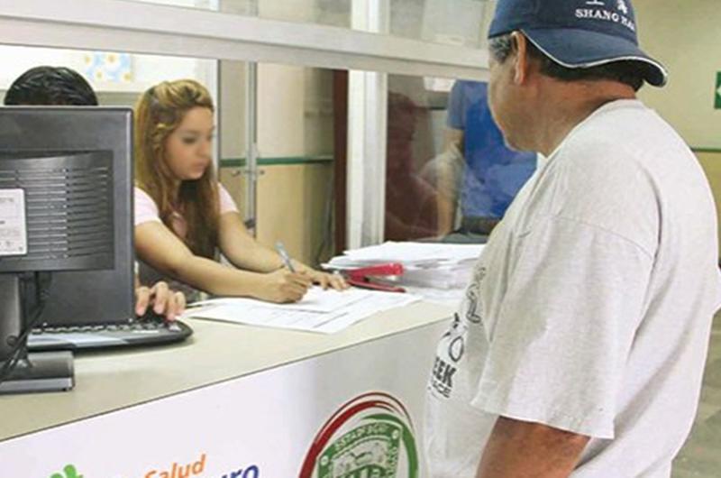 Afiliarán al Seguro Popular en Nuevo León a migrantes repatriados
