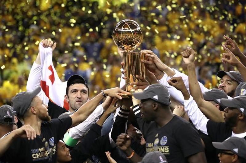 Steve Kerr celebra con lágrimas coronación de Golden State en la NBA