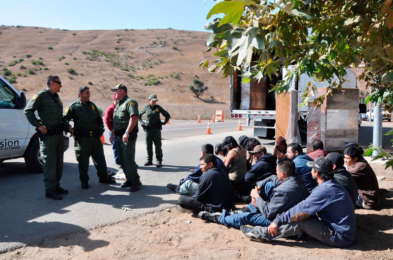Estados Unidos promete continuar combate contra tráfico de indocumentados