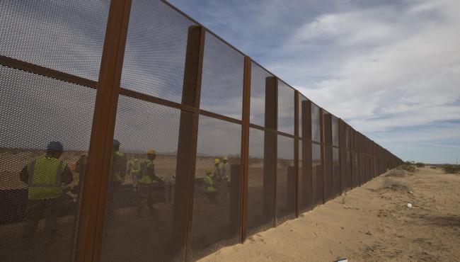 Cámara de Representantes aprueba fondos para iniciar muro fronterizo