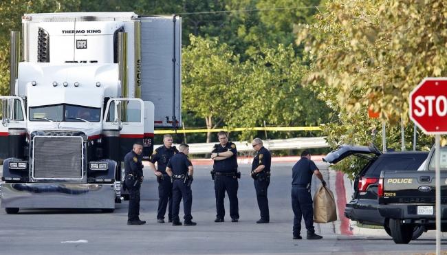 Cónsul confirma muerte de mexicanos por asfixia en tráiler en Texas